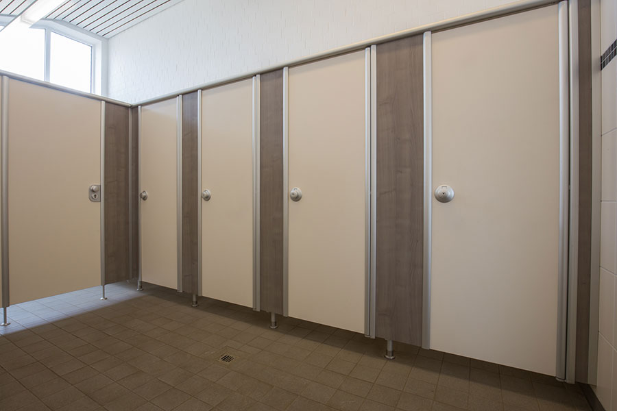 Trennwand toilette glas urinal trennwand with trennwand - Holzmobel badezimmer ...